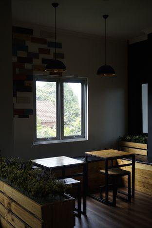 Foto 24 - Interior di Rumah Seduh oleh yudistira ishak abrar