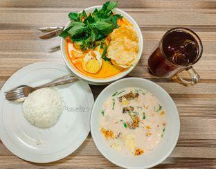Foto 3 - Makanan di RM Betawi Soto H. Ma'ruf oleh Nika Fitria