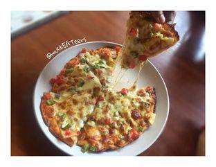 Foto 3 - Makanan(Hawaiian Pizza) di Kedai Kita oleh @muskEATeers