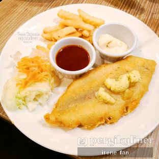 Foto 1 - Makanan(British Fish & Chips) di Platinum oleh Irene Stefannie @_irenefanderland