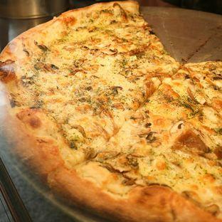 Foto 3 - Makanan di Pizza Place oleh thehandsofcuisine
