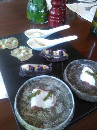 Foto 6 - Makanan(okoy) di Arts Cafe - Raffles Jakarta Hotel oleh Renodaneswara @caesarinodswr