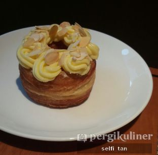 Foto 2 - Makanan di Mandarin Oriental Cake Shop - Mandarin Oriental Hotel oleh Selfi Tan
