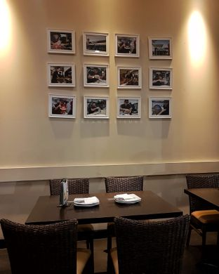 Foto 7 - Interior di Pizza Hut oleh Eat and Leisure
