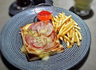 Tempat Makan Baru di Surabaya yang Harus Kamu Coba di Bulan Oktober!