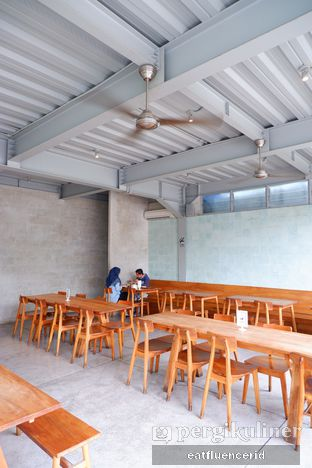 Foto 1 - Interior di Warung Nako oleh Illya Adista