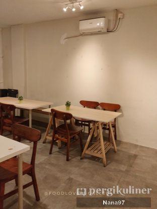 Foto 8 - Interior di Bloom Coffee & Eatery oleh Nana (IG: @foodlover_gallery)