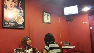 Foto 7 - Interior di Kopi Oey oleh Chrisilya Thoeng