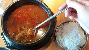Foto 3 - Makanan(Yukgaejang) di Chingu Korean Fan Cafe oleh risma
