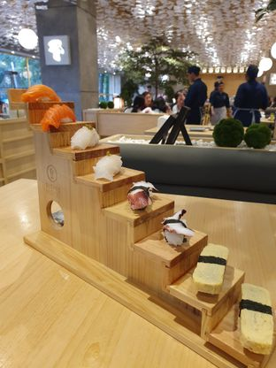 Foto 2 - Makanan di Sushi Hiro oleh Makan2 TV Food & Travel