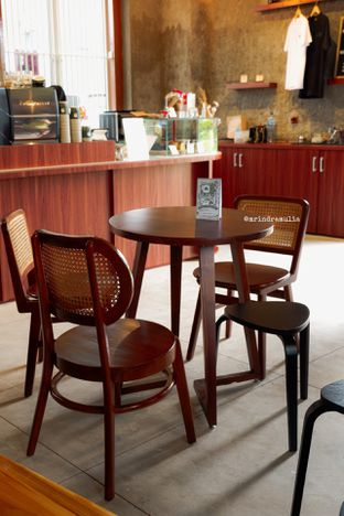 Foto 22 - Interior di Roast Coffee oleh Indra Mulia