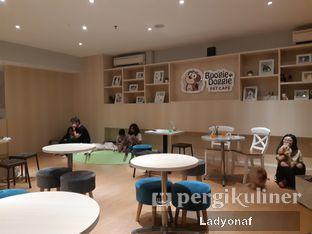 Foto 5 - Interior di Boogie Doggie Pet Cafe oleh Ladyonaf @placetogoandeat