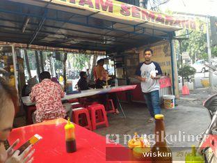 Foto 2 - Interior di Bakmi Ayam Semarang oleh D G