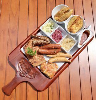 Foto review Bavarian Haus Bratwurst & Grill oleh Andrika Nadia 1