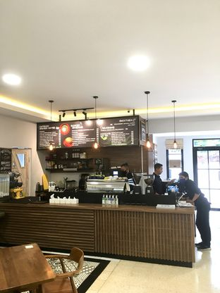Foto 6 - Interior di de'CLAN Resto & Cafe oleh Prido ZH