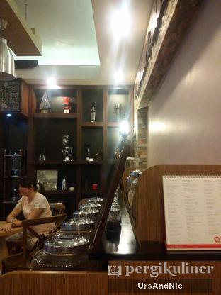 Foto 7 - Interior di Toko Kopi Aroma Nusantara oleh UrsAndNic