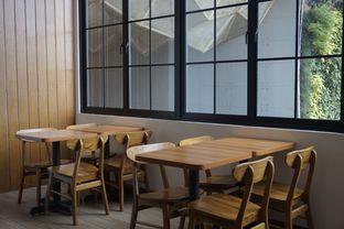 Foto 11 - Interior di Bruins Coffee oleh yudistira ishak abrar