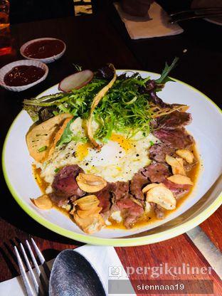 Foto 1 - Makanan(RISOTTO BEEF WITH BOILED HOT SPRING EGG) di AW Kitchen oleh Sienna Paramitha