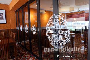 Foto 12 - Interior di Mandailing Cafe Bistro oleh Darsehsri Handayani