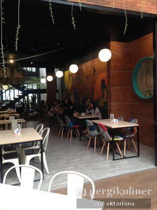 Foto 10 - Interior di Colibri Cafe & Bakery oleh a bogus foodie