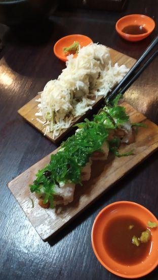 Foto 1 - Makanan di OTW Sushi oleh Selvi Putri