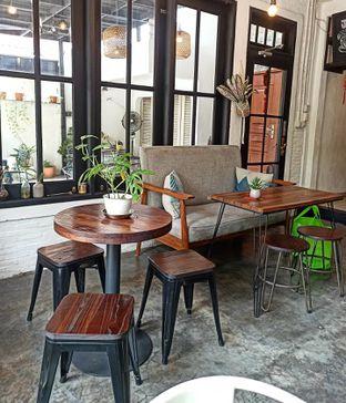 Foto 6 - Interior di Jonbon's Coffee & Eatery oleh Junior
