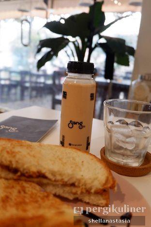 Foto 1 - Makanan(Es Kopi Sang Susu) di Sang Cafe oleh Shella Anastasia