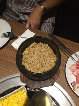 Foto 9 - Makanan(garlic fried rice) di Gyu Kaku oleh Elvira Sutanto