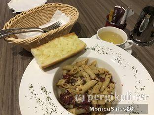 Foto review Deli Patissiere oleh Monica Sales 2