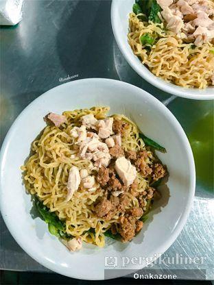 Foto 4 - Makanan di Bakmi Lung Kee oleh Onaka Zone