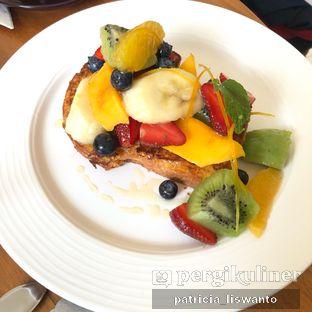 Foto 2 - Makanan(french toast) di Chicory European Patisserie oleh Patsyy