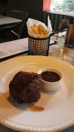 Foto review Couz Steak House oleh Stefy  2