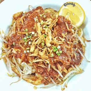 Foto 1 - Makanan(lontong tahu pluie) di PLUIE Cafe & Resto oleh duocicip