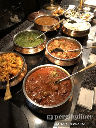 Foto 1 - Makanan(Indian Food) di The Cafe - Hotel Mulia oleh Patsyy