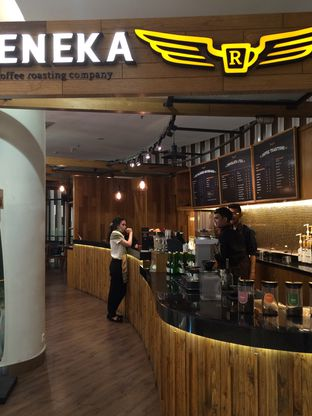 Foto 5 - Interior di Reneka Coffee oleh Elvira Sutanto
