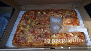 Foto 1 - Makanan di Henk's Pizza oleh Audry Arifin @thehungrydentist