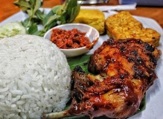 14 Tempat Makan Murah di Tanjung Duren yang Rasanya Juara