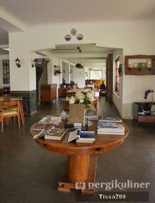Foto 2 - Interior di Papof Restaurant oleh Tissa Kemala