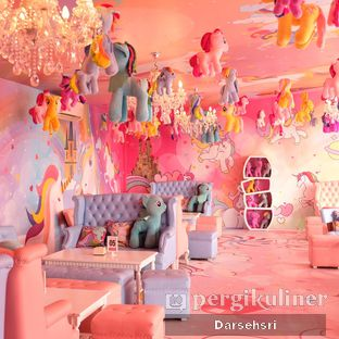 Foto 3 - Interior di Miss Unicorn oleh Darsehsri Handayani
