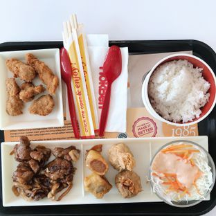 Foto 2 - Makanan di HokBen (Hoka Hoka Bento) oleh Della Ayu