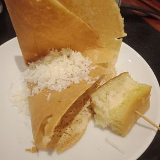 Foto 9 - Makanan(Lekker dan terang bulan keju) di Arumanis - Bumi Surabaya City Resort oleh Fensi Safan