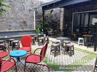 Foto 4 - Interior di Kaffeine Kline oleh Sillyoldbear.id