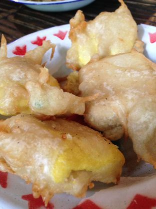Foto 5 - Makanan(Tahu Selimut) di Warung Tuman oleh awakmutukangmakan