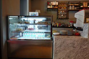 Foto 5 - Interior di Tavor Cafe oleh inggie @makandll