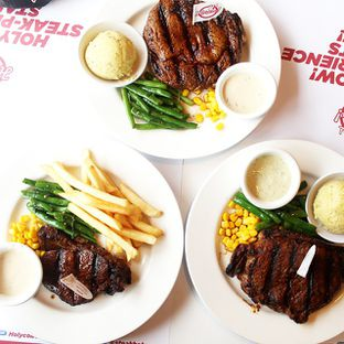 Foto review Holycow! STEAKHOUSE by Chef Afit oleh Airin Sherry 1