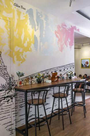 Foto 3 - Interior di Olive Tree House of Croissants oleh dini afiani