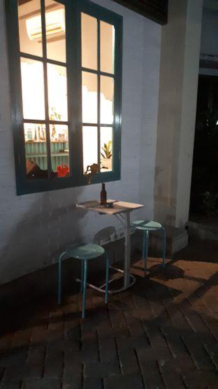 Foto 7 - Interior di Meanwhile Coffee oleh @semangkukbakso