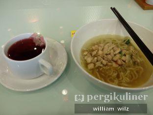 Foto 2 - Makanan di Plumeria Lounge - Hotel Grand Mercure Kemayoran oleh William Wilz