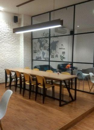 Foto 7 - Interior di Coffee Motion oleh Renodaneswara @caesarinodswr