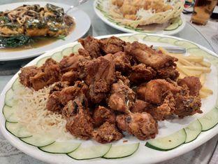 Foto 6 - Makanan(Ayam goreng) di Golden Leaf oleh Komentator Isenk